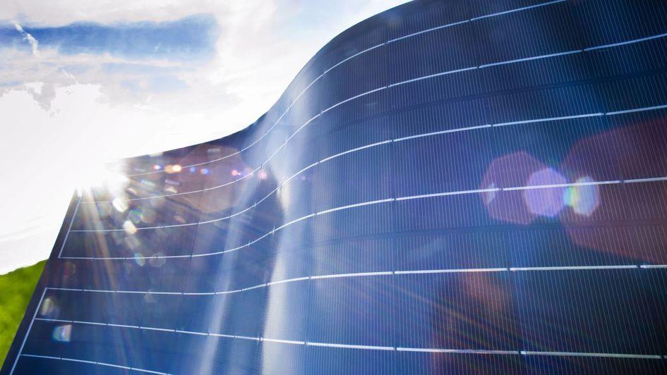 贏創加入歐盟 ReProSolar 研究項目,該項目旨在開發一種有效率的特殊技術來回收報廢的太陽能零組件。(圖片來源:S. Wildhirt/贏創)